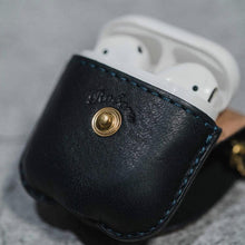 Load image into Gallery viewer, Leather Factory Roberu AirPods Case Dark Green