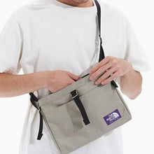 Load image into Gallery viewer, The North Face Small Shoulder Bag Gray Beige