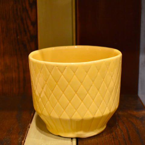 "Shawnee Quilted Yellow 6"" Pot"