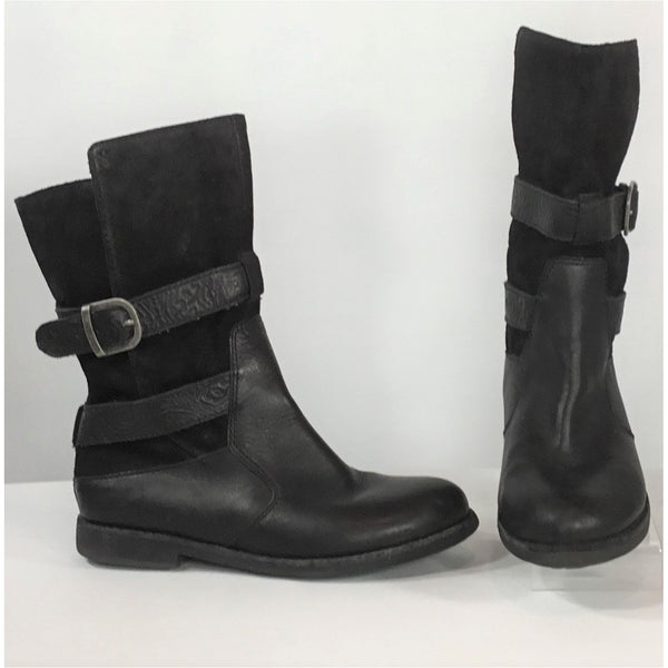 Emu black leather and suede ankle boots