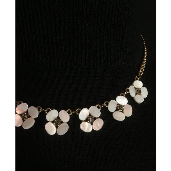 Pearlized Flower Choker Necklace