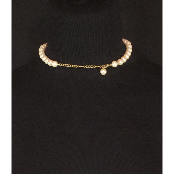 closure on pearl choker necklace