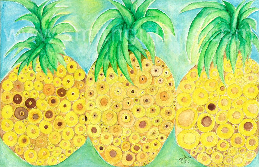 Tres Pineapples