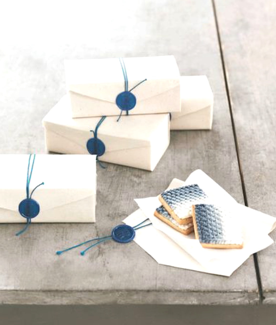 wax-seal-wrapping