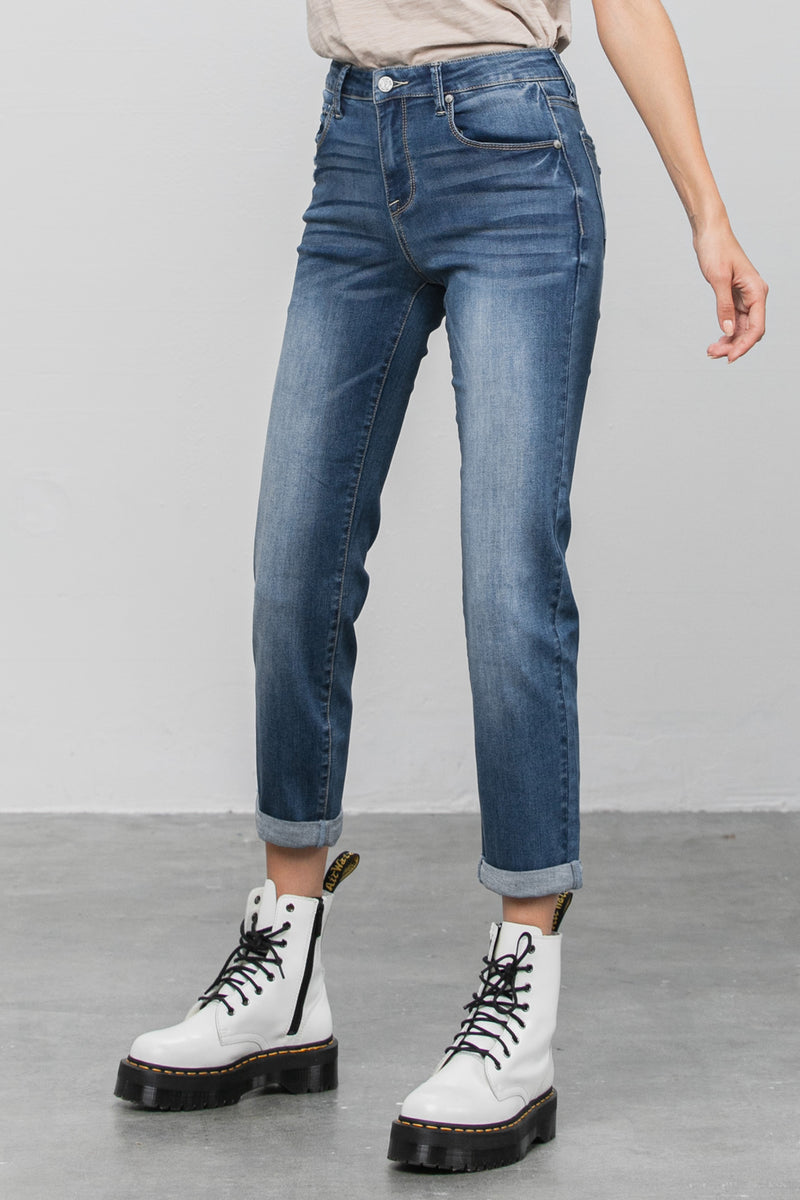 Go Anywhere Slim Boyfriend Jeans - Insanegene.com