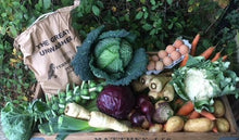 Load image into Gallery viewer, Christmas Veg Box - Medium