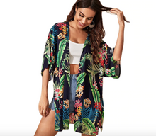 Load image into Gallery viewer, Tropical Print Split Side Kimono