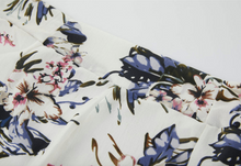 Load image into Gallery viewer, Floral Print Side Split Skirt