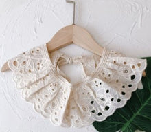 Load image into Gallery viewer, Baby Elegant Lace Bibs