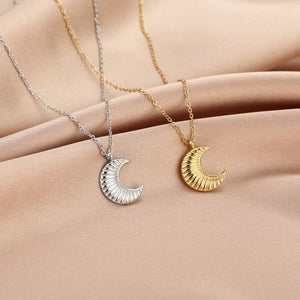 Half moon necklace - Acazia