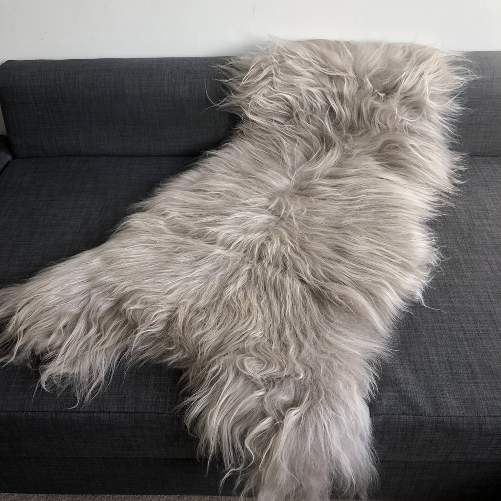 Icelandic Longhair Sheepskin Throw Flax | Beige | Linen | Sheep Skin Rug XL 110-120cm - Wildash London