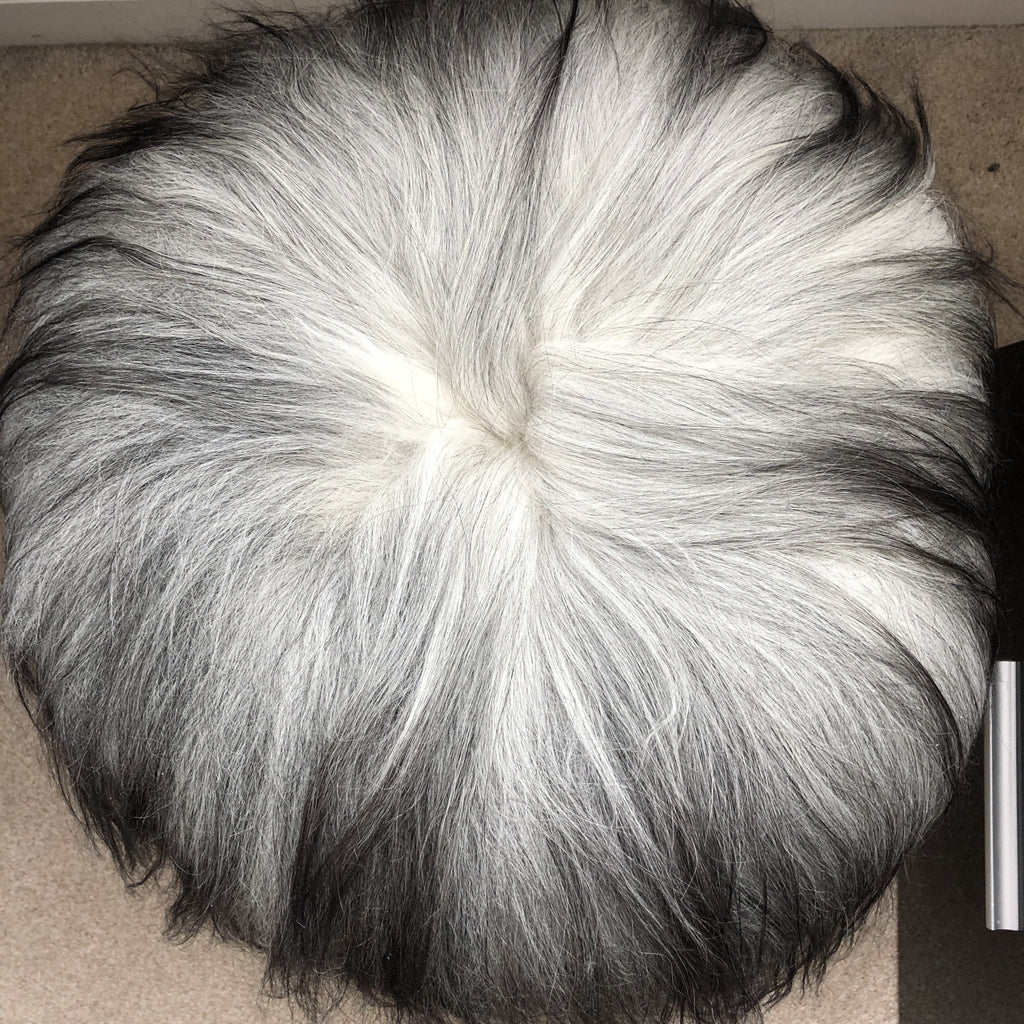 Icelandic Sheepskin Roundie Seat Cover Natural Grey Long 35cm - Wildash London