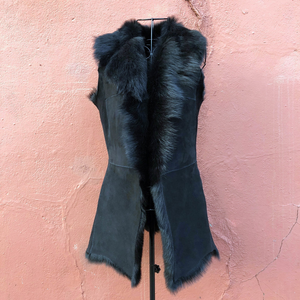 Longline Shearling Gilet Reversible - Black - Wildash London