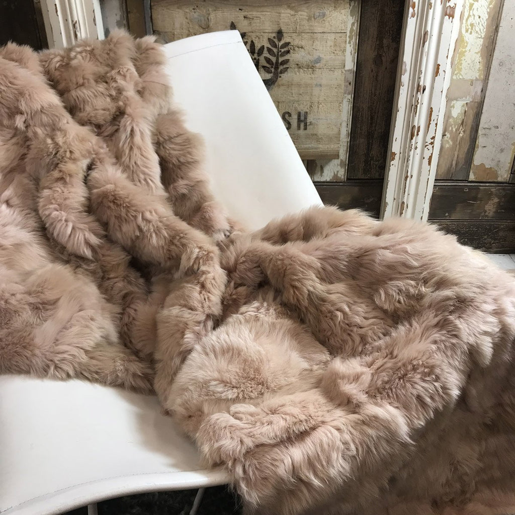 Vintage Blush Shearling 175cm x 245cm - Wildash London
