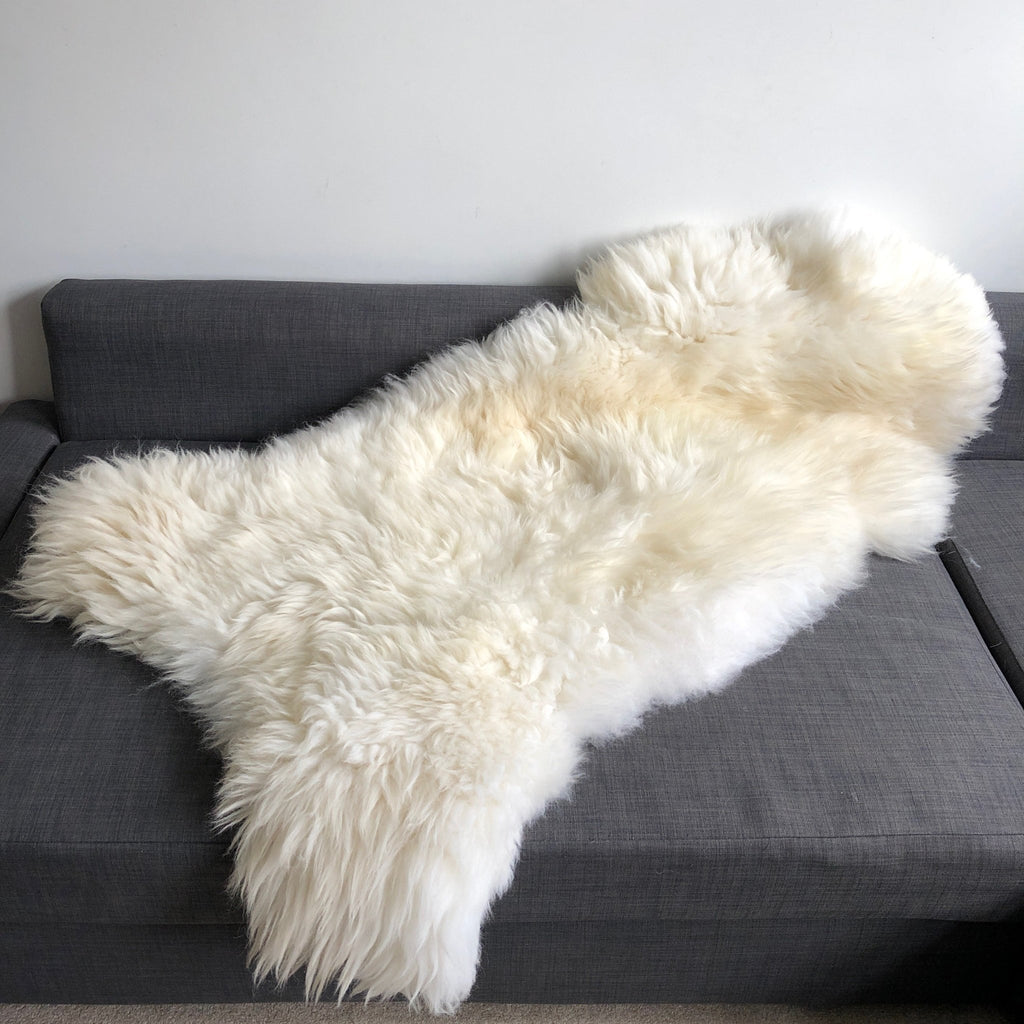 "XXL 130cm+ (51""+) Top Quality British White Sheepskin Rug 100% Natural Free-range UK Ecofriendly Huge Sheepskin Skin - Wildash London"