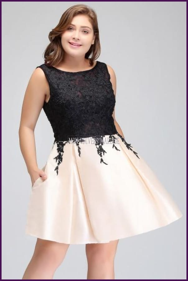 Robe Courte Grande Taille. Color As Picture / 44