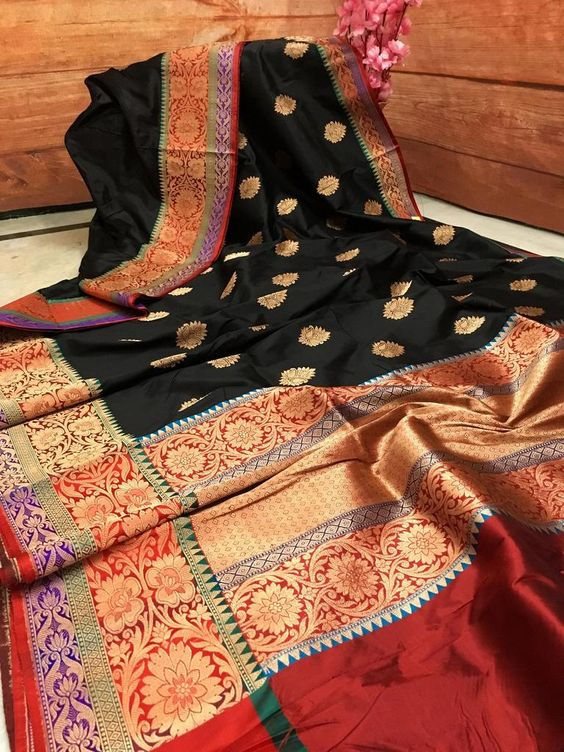 Awesome Bollywood Designer Banarasi Silk  Saree BS7077