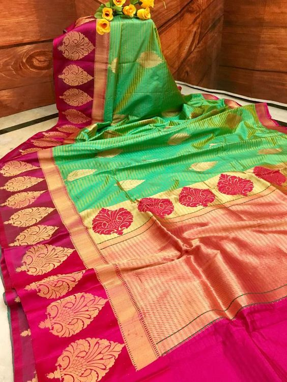 Awesome Bollywood Designer Banarasi Silk  Saree BS7092