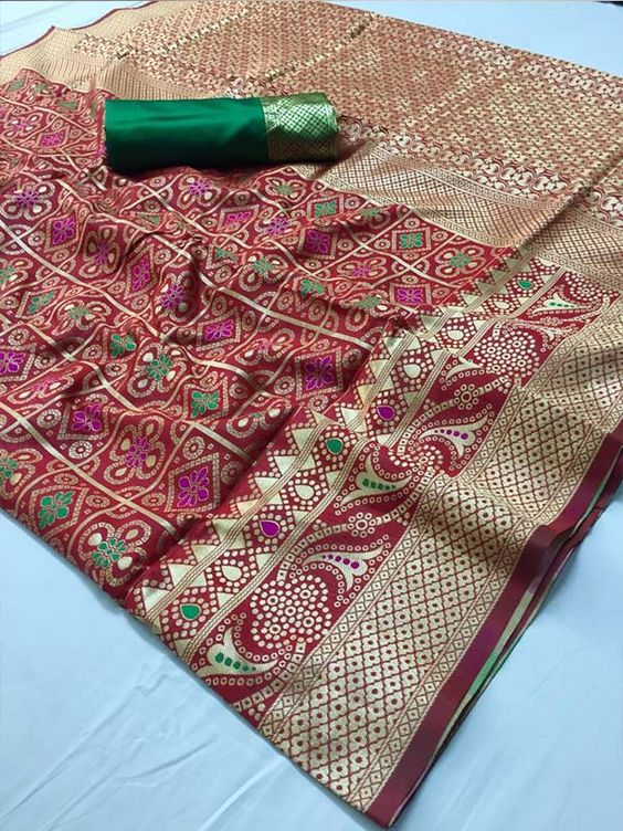 Awesome Bollywood Designer Banarasi Silk  Saree BS7137