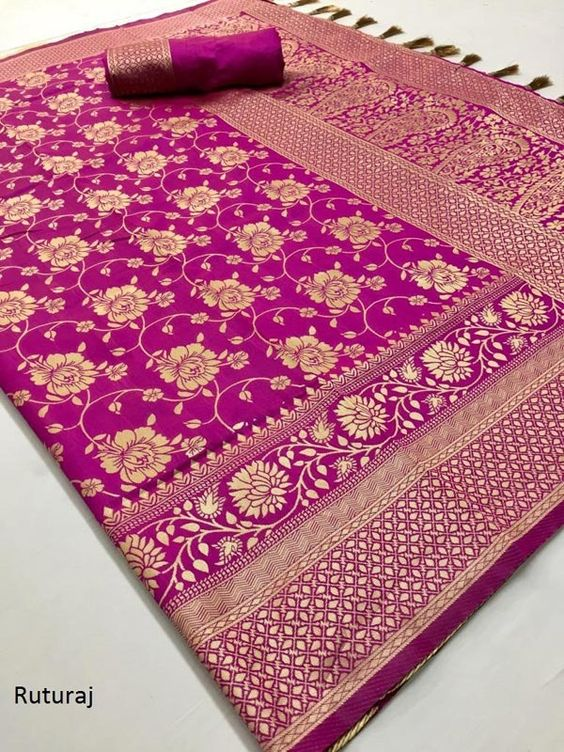 Awesome Bollywood Designer Banarasi Silk  Saree BS7142