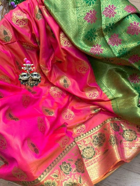 Awesome Bollywood Designer Banarasi Silk  Saree BS7152