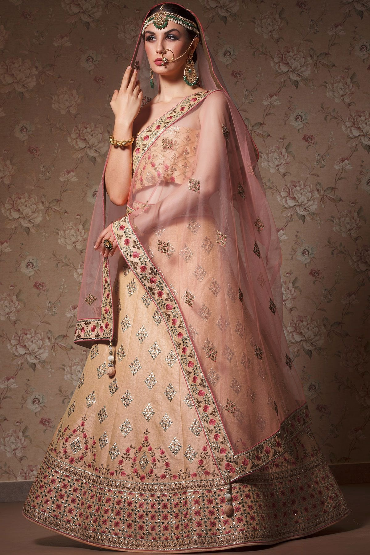 HEAVY EXCLUSIVE WEDDING WEAR LEHENGA CHOLI MDL1131