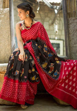Load image into Gallery viewer, Mudra Print Designer Cotton Saree with Blouse