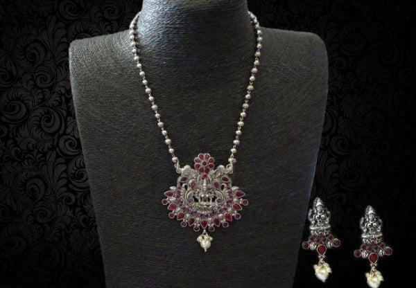 Pendant Model Lakshmi Necklace Set with Earrings