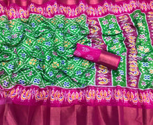 Load image into Gallery viewer, Ikat Print Soft Cotton Saree with Zari Border