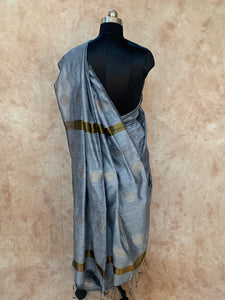Ball Design Pure Matka Silk Hand-Loom Saree