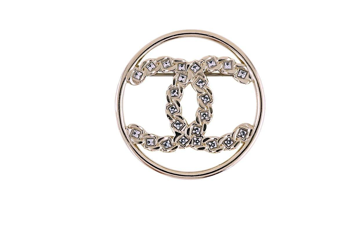 NIB Chanel 19P Circle CC Logo Crystal Brooch Gold