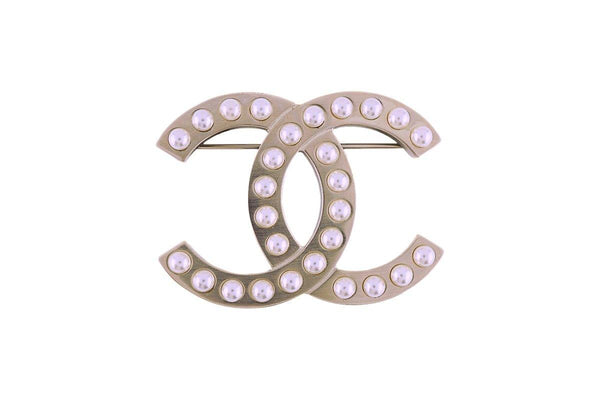 NIB 18P Chanel A98909 Classic Pearl Brushed Gold Large Classic CC Brooch