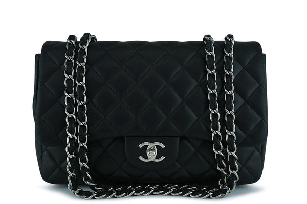 Chanel Black Lambskin Jumbo 2.55 Classic Flap Bag SHW