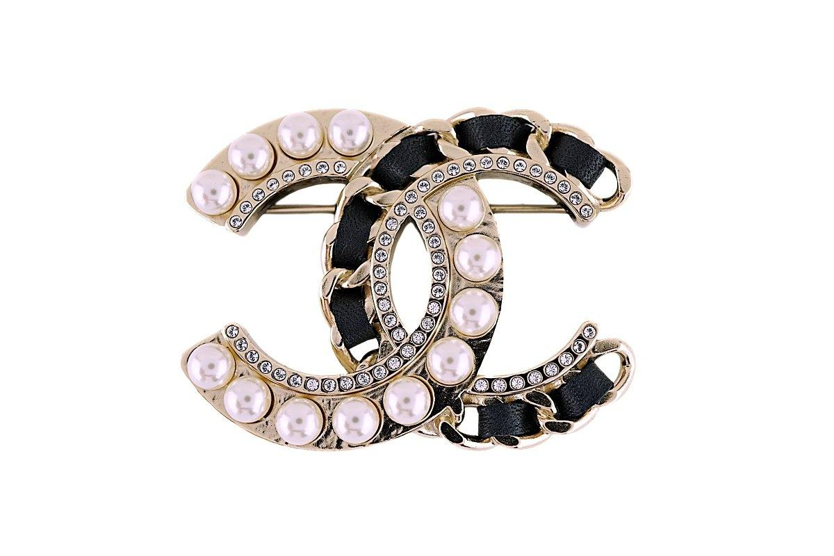 NIB Chanel Pearl Crystal Leather and Gold Chain Brooch AB0128