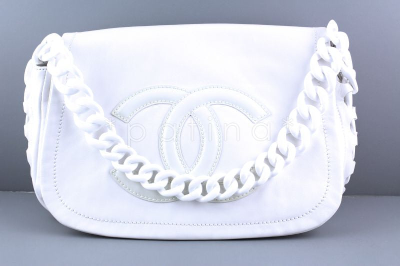 Chanel White Luxury Modern Chain Resin Jumbo Flap Bag - Boutique Patina  - 1