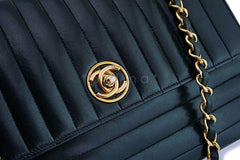 Chanel Vintage Mademoiselle Circle Logo Shoulder Flap Bag 24k GHW