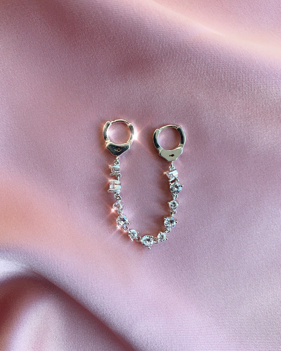 SPARKLY MENOTTES EARRING