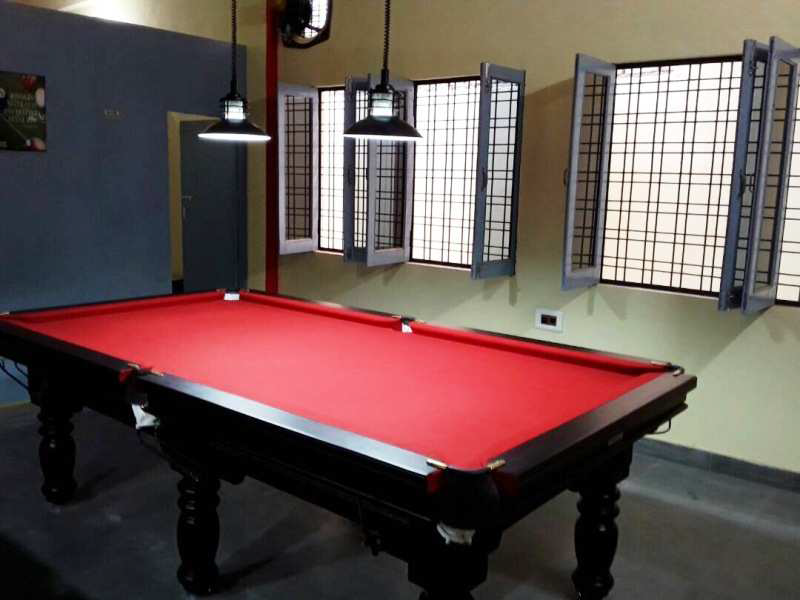Pool table in red