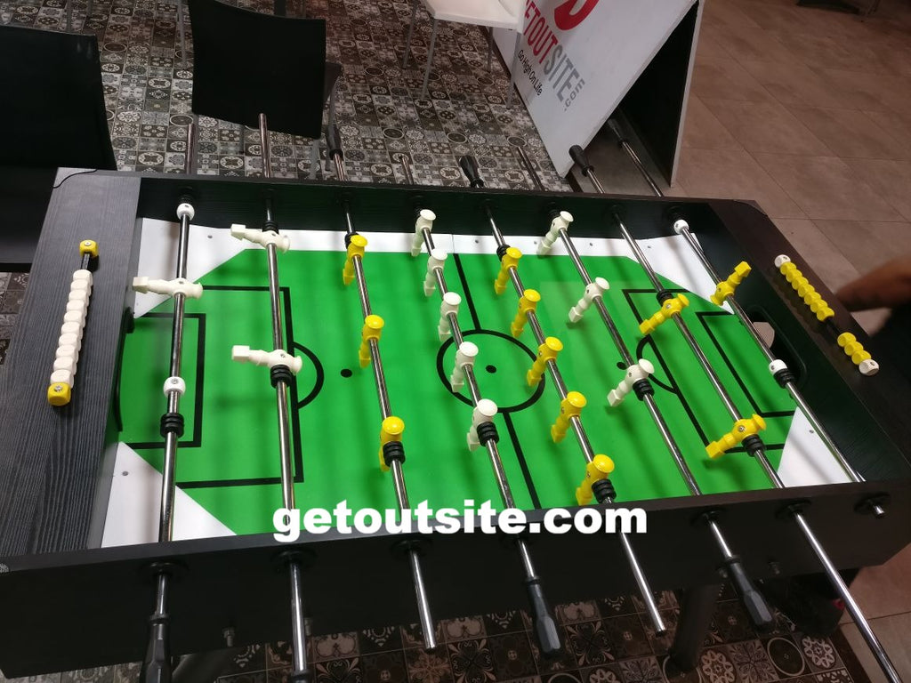 Foosball Table (Manual Ball release)