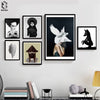 Vintage Girl Dark Cuadros, Black White - wall art