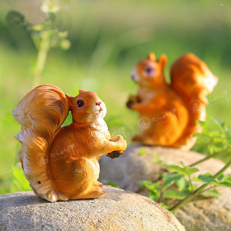 2pcs/pack Garden decorative resin squirrels garden animal home accents garden statue outdoor figure new year gifts shop decor