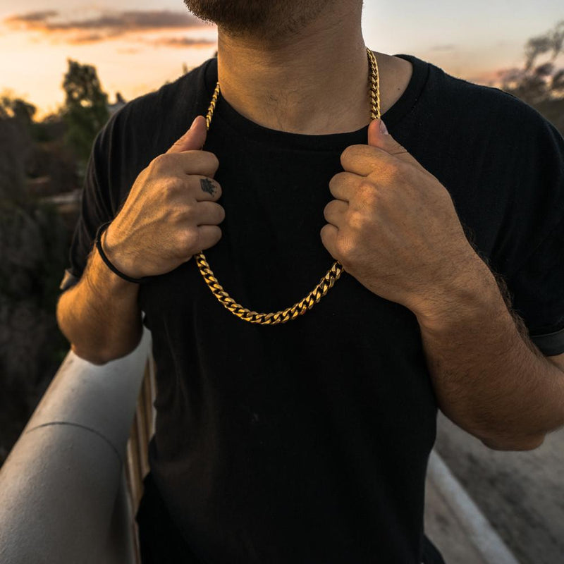 Cuban Link Chain Flat Edge in Gold Gold Gods® lifestyle look
