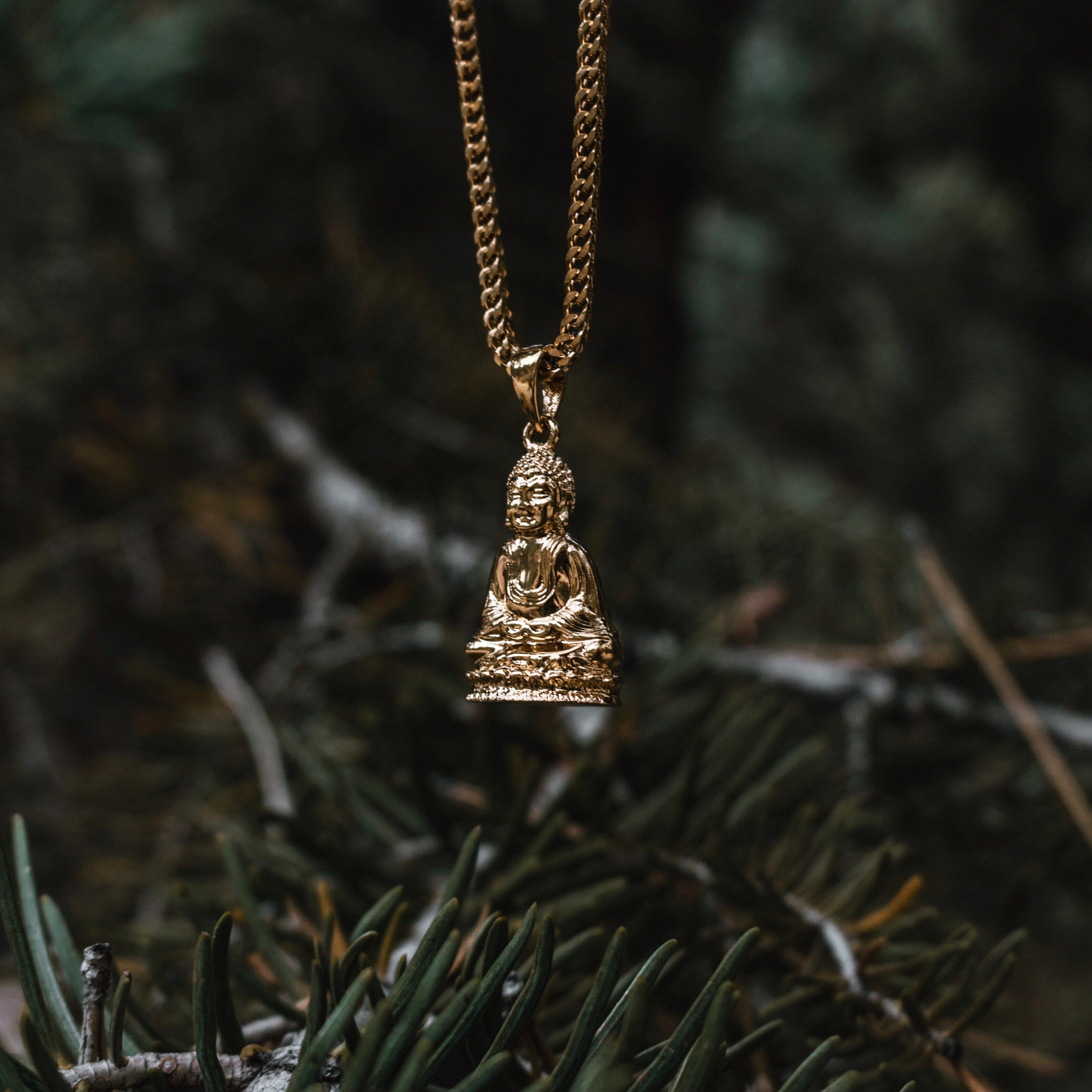 Sitting Buddha Piece Necklace