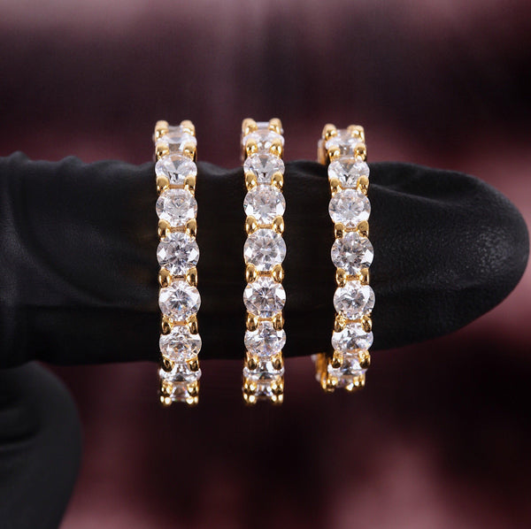 Single Diamond Eternity Gold Ring Gold Gods® close up view