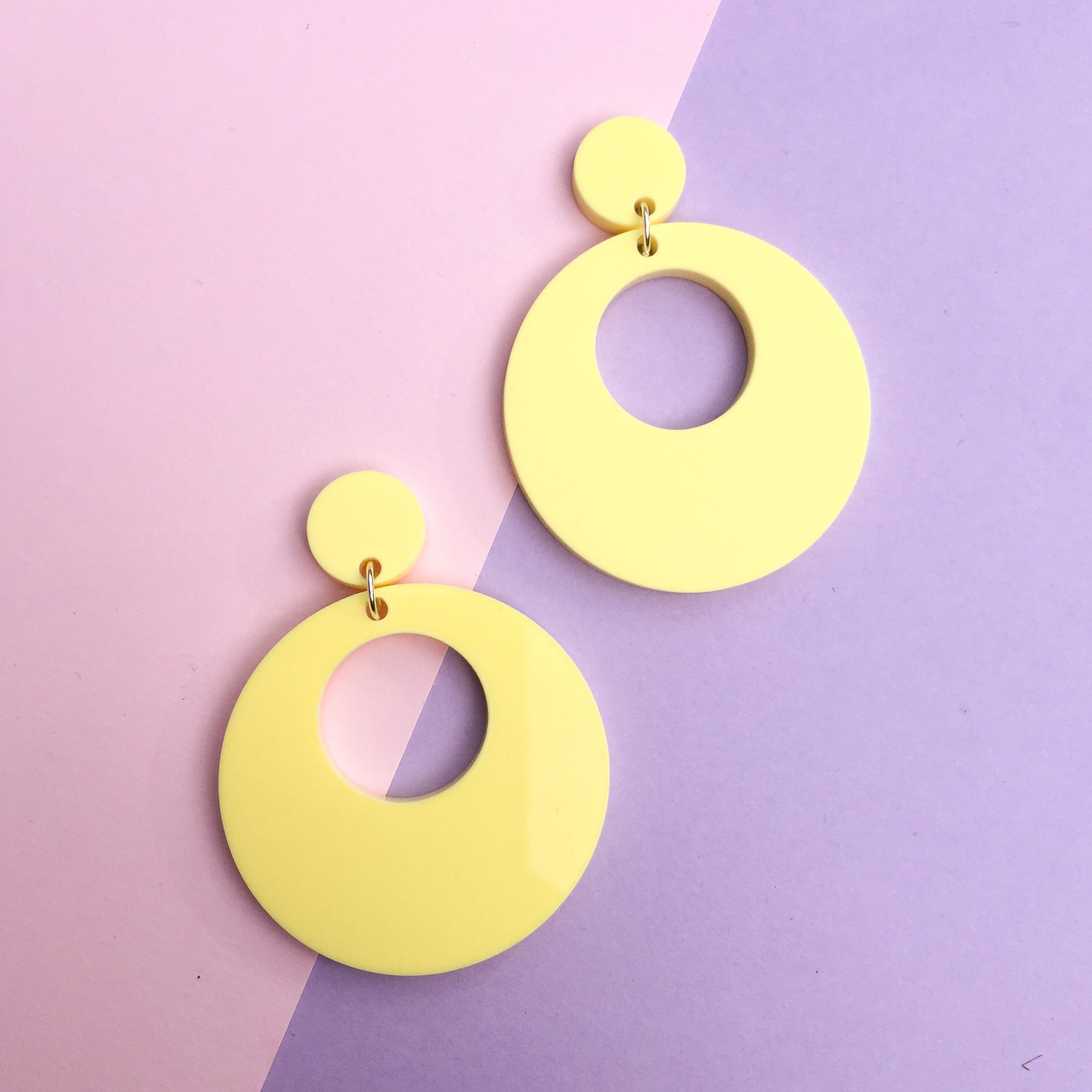 Mod Inspired Stud Hoop Earrings - Pastel Yellow