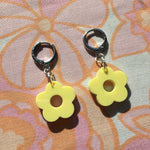 Load image into Gallery viewer, Mini Flower Huggie Hoops - Pastel Yellow