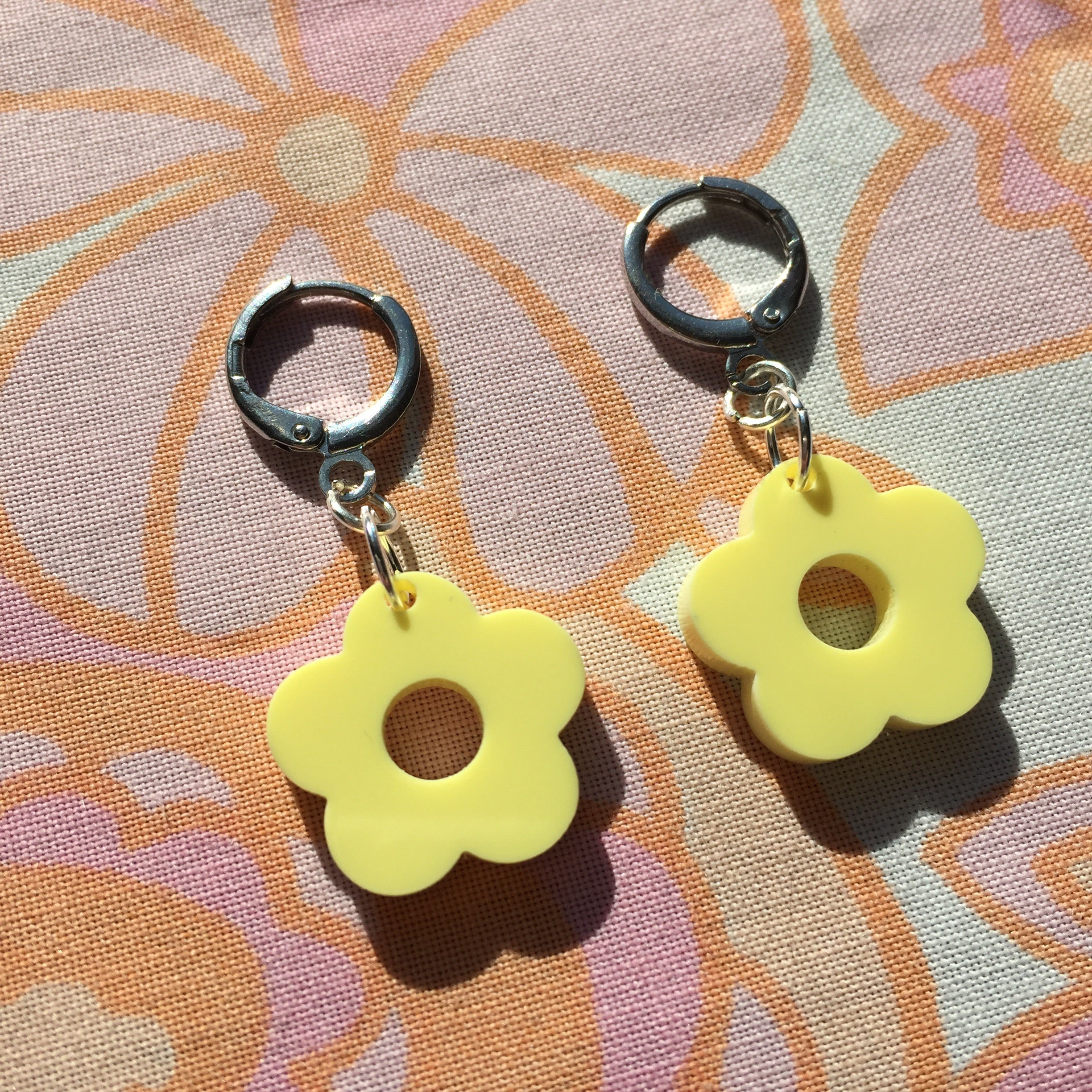 Mini Flower Huggie Hoops - Pastel Yellow