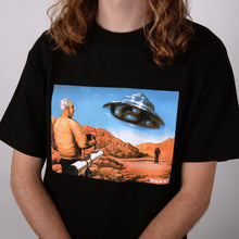 Load image into Gallery viewer, QUASI UFO TEE BLACK