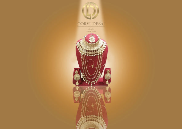 'Jahnvi', Full Bridal Set With White Pearls by Oorvi Desai