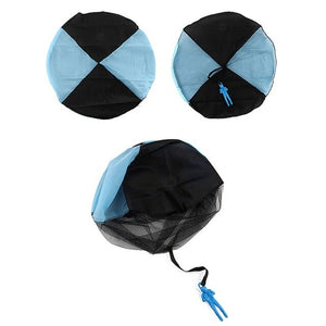 Hand Throwing Mini Soldier Parachute Outdoor Game Play
